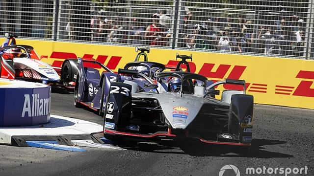 Buemi blames software problem for Santiago crash