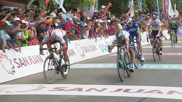 WATCH - Gaviria wins dramatic sprint finish over Sagan