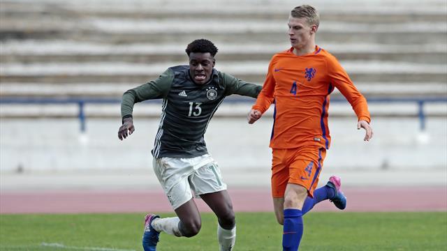 Ajax - Mercato : Mitchel Bakker va rejoindre le PSG