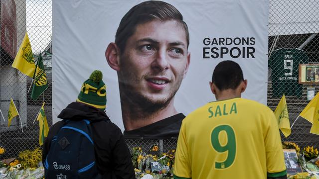 Emiliano Sala: Attempts to recover body in aircraft under way
