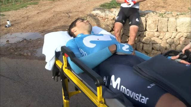 Landa breaks collarbone during season opener