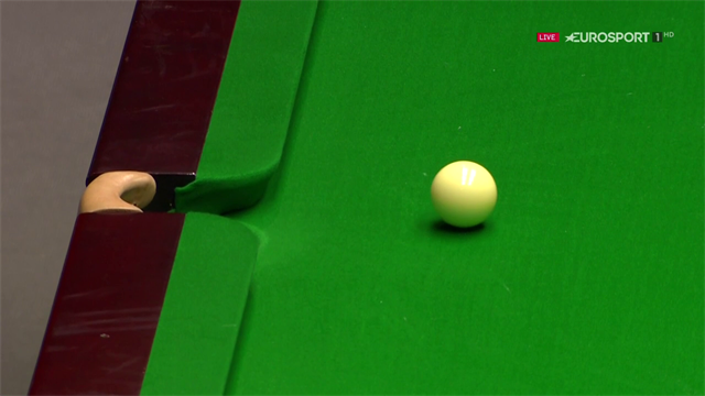 Wilson favoured by incredible run of cue ball