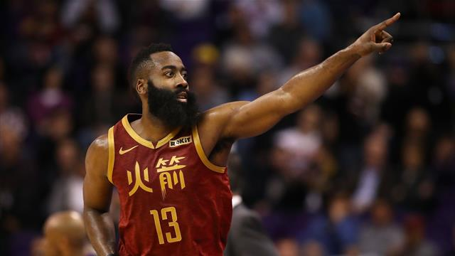 Harden rejoint Chamberlain et Jordan, mais Houston craque
