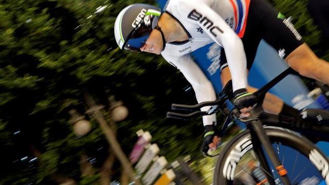 El noruego Hagen gana la contrarreloj y luce de amarillo tras la primera etapa