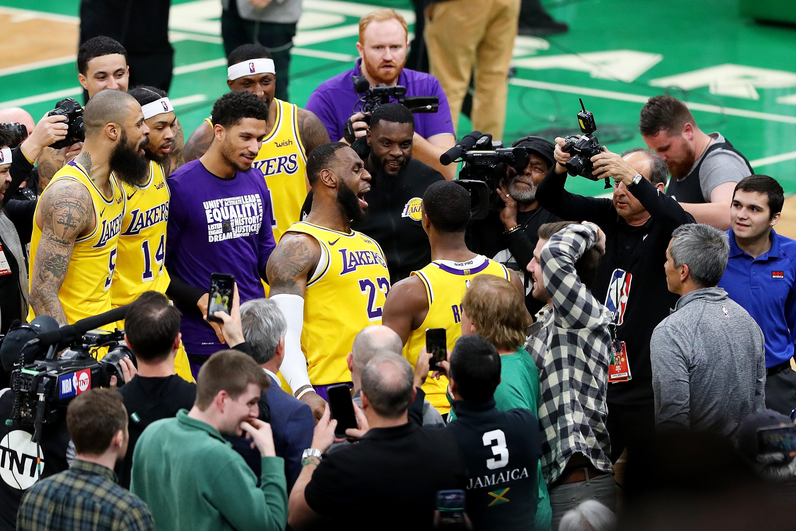 LeBron James et Rajon Rondo lors de Boston - Los Angeles Lakers en NBA le 7 février 2019