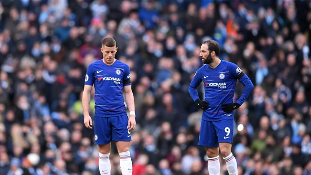'Announce Hiddink!' - Fans react to shambolic Chelsea showing