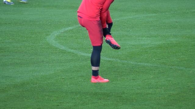 8es - Verratti à l'entraînement sur la pelouse d'Old Trafford