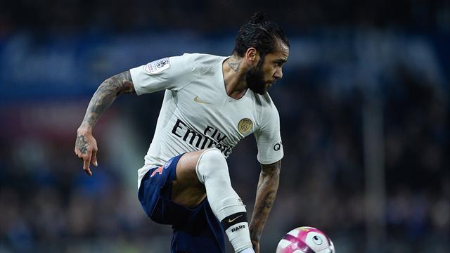Alves et Meunier touchés au genou
