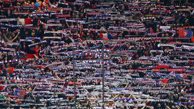 """""""Une victoire qui vient aussi des tribunes"""" ou comment les supporters ont pesé sur Old Trafford"""