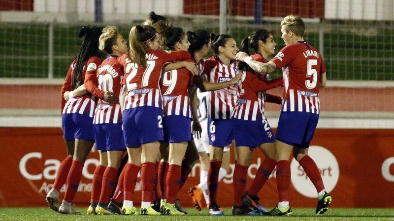 0b904dbabe El Atlético celebra uno de los goles ante el Madrid CFFTwitter