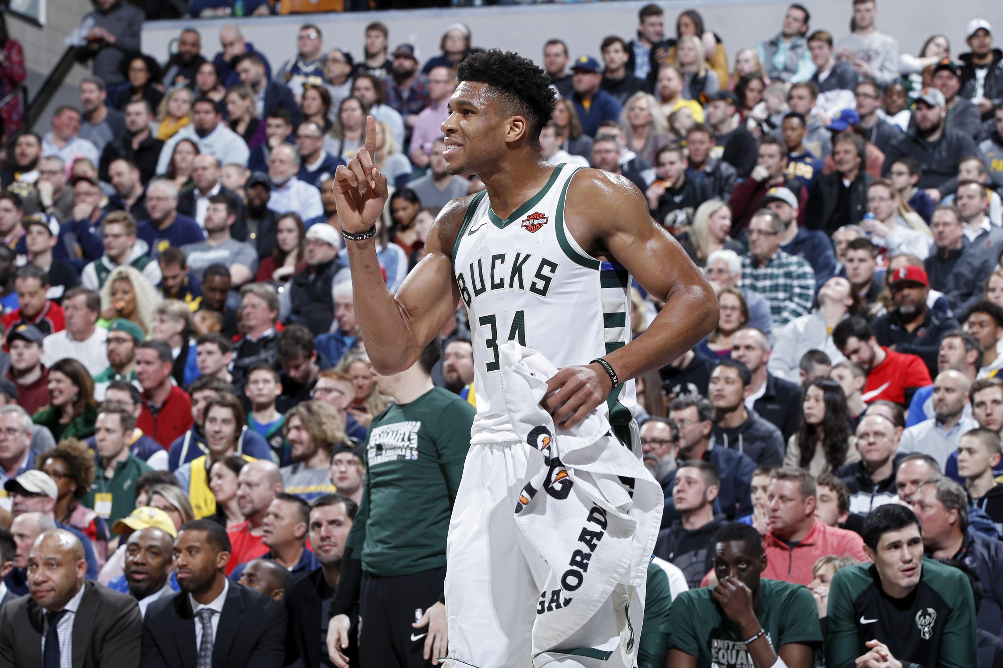 Giannis Antetokounmpo lors de Indiana - Milwaukee en NBA le 13 février 2019