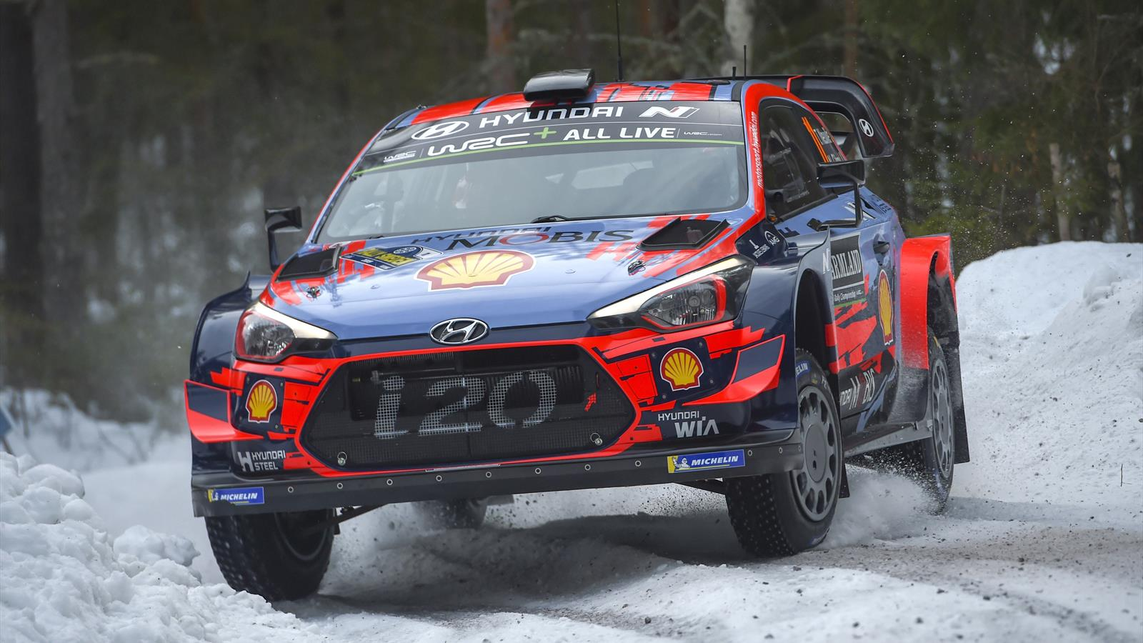 rallye de su de neuville remporte la premi re sp ciale devant ogier loeb loin derri re. Black Bedroom Furniture Sets. Home Design Ideas