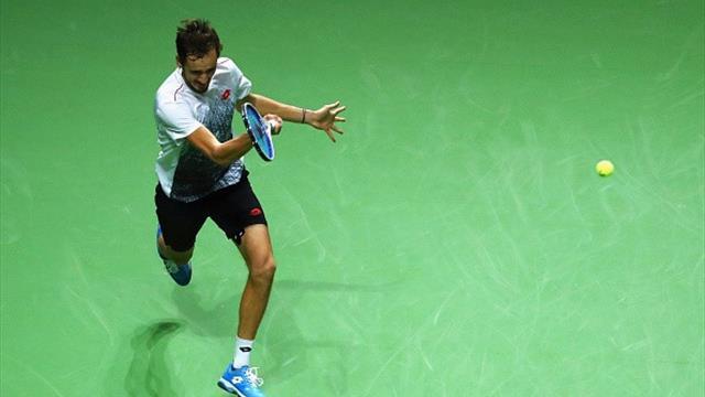 Медведев вторую неделю подряд вышел в полуфинал – он победил Тсонга и еще пятерых без потери сета