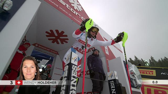 Wendy Holdener sets pace in first slalom run