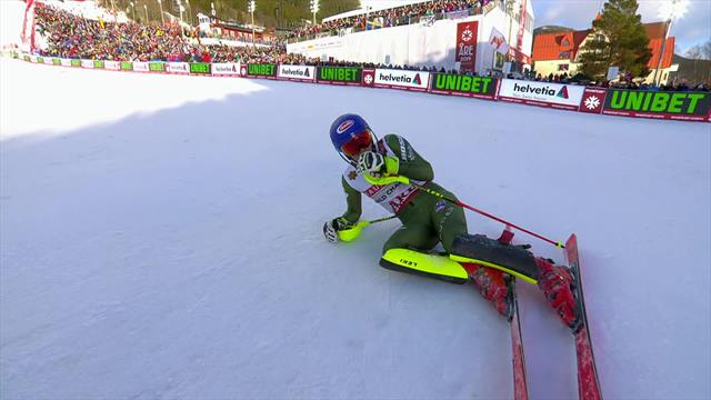 'Breathtaking!' - See the run which delivered world slalom title for Shiffrin