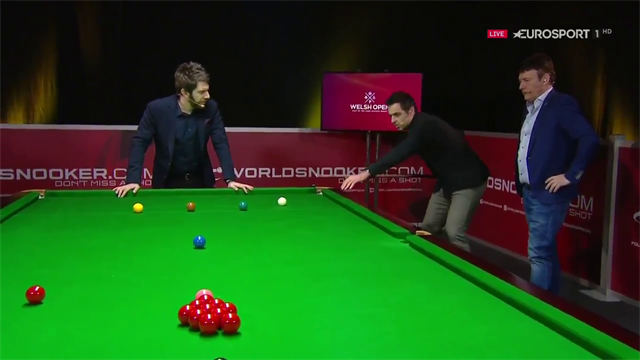 Ronnie O'Sullivan and Jimmy White show off their cue power