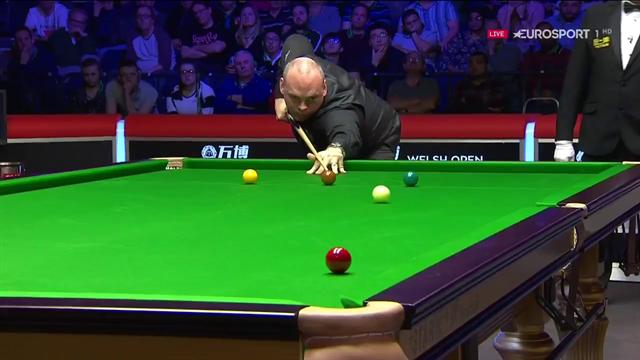 'He'll take it!' - Bingham flukes red off side cushion against Robertson