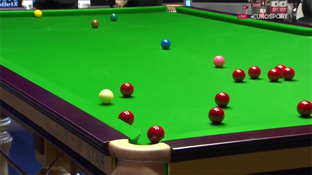 'Look at this for a shot' - Stuart Bingham produces majestic swerve shot