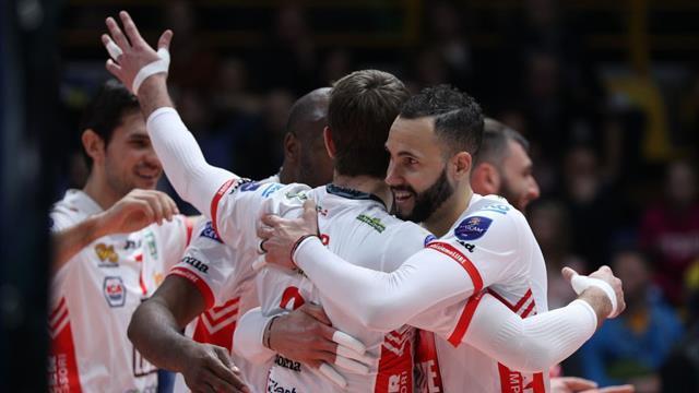 Superlega: Perugia prosegue la sua cavalcata, Civitanova spazza Modena con un secco 3-0