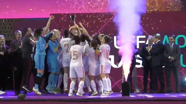 Eurocopa femenina Fútbol Sala, la efusiva celebración de las campeones: Pista, vestuario y duchas