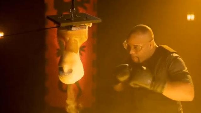 Кормье проверил эффективность фаталити Саб-Зиро в новом шоу от создателей Mortal Kombat