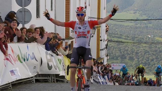 La première étape et le maillot jaune pour Tim Wellens