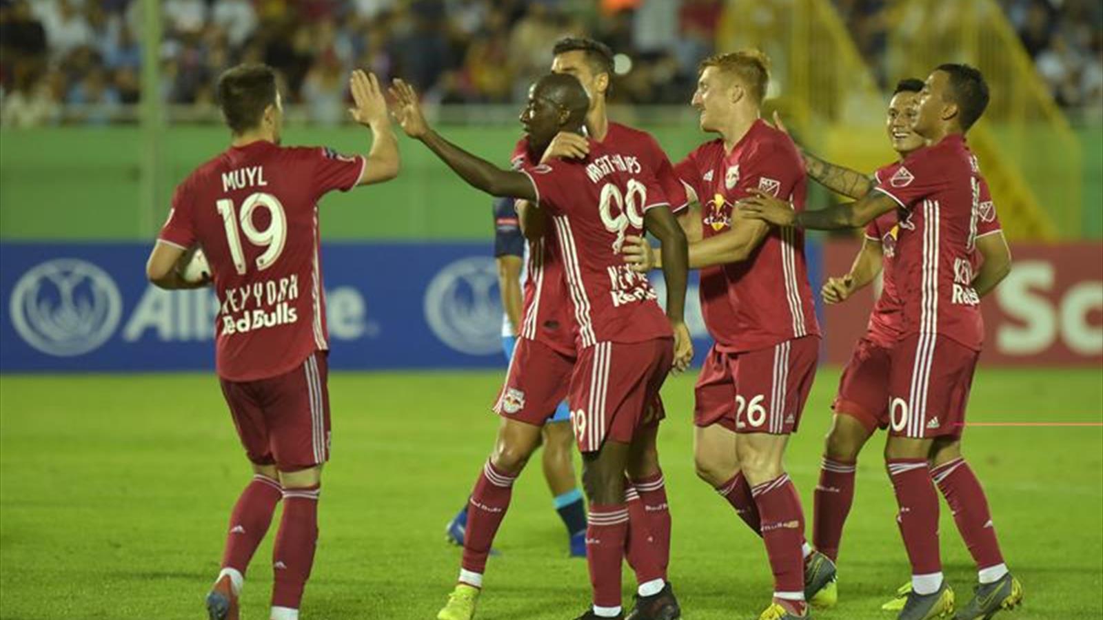 0-2. Los Red Bulls doblegan al Pantoja en la Liga de Campeones de la  Concacaf fdb5d158f8f