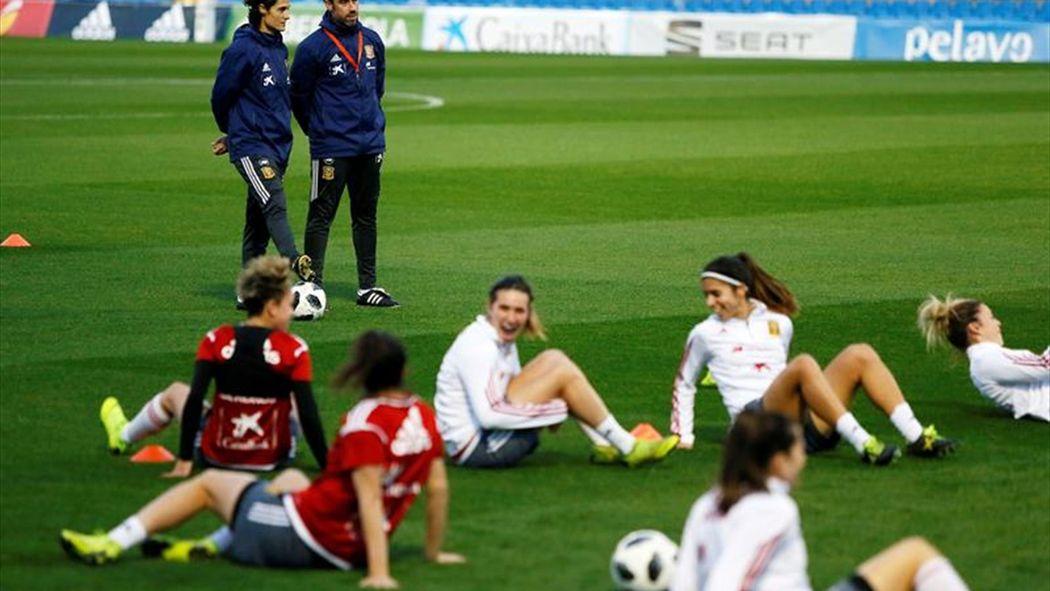 España, en el grupo D con R.Checa, Polonia, Moldavia y Azerbaiyán ...