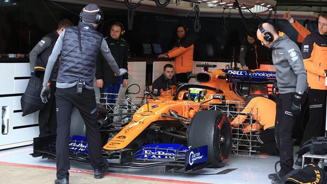 Tres heridos leves en un pequeño incendio en el box de McLaren en Montmeló