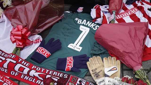 Stoke City rend un bel hommage à Gordon Banks avec un maillot spécial
