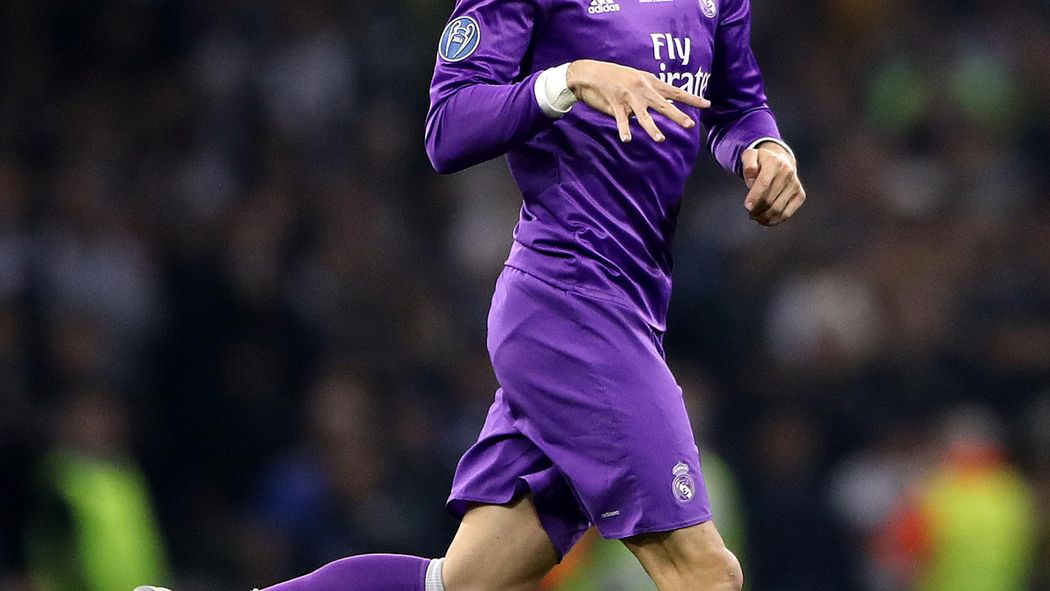 7ef1ba017 Gareth Bale penalty lifts Real Madrid to victory over Levante ...