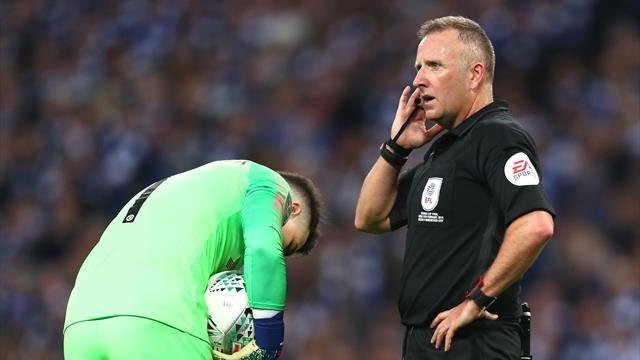 """L'arbitre pouvait-il sanctionner Kepa? """"Non, si un joueur ne veut pas sortir, le jeu doit continuer"""""""