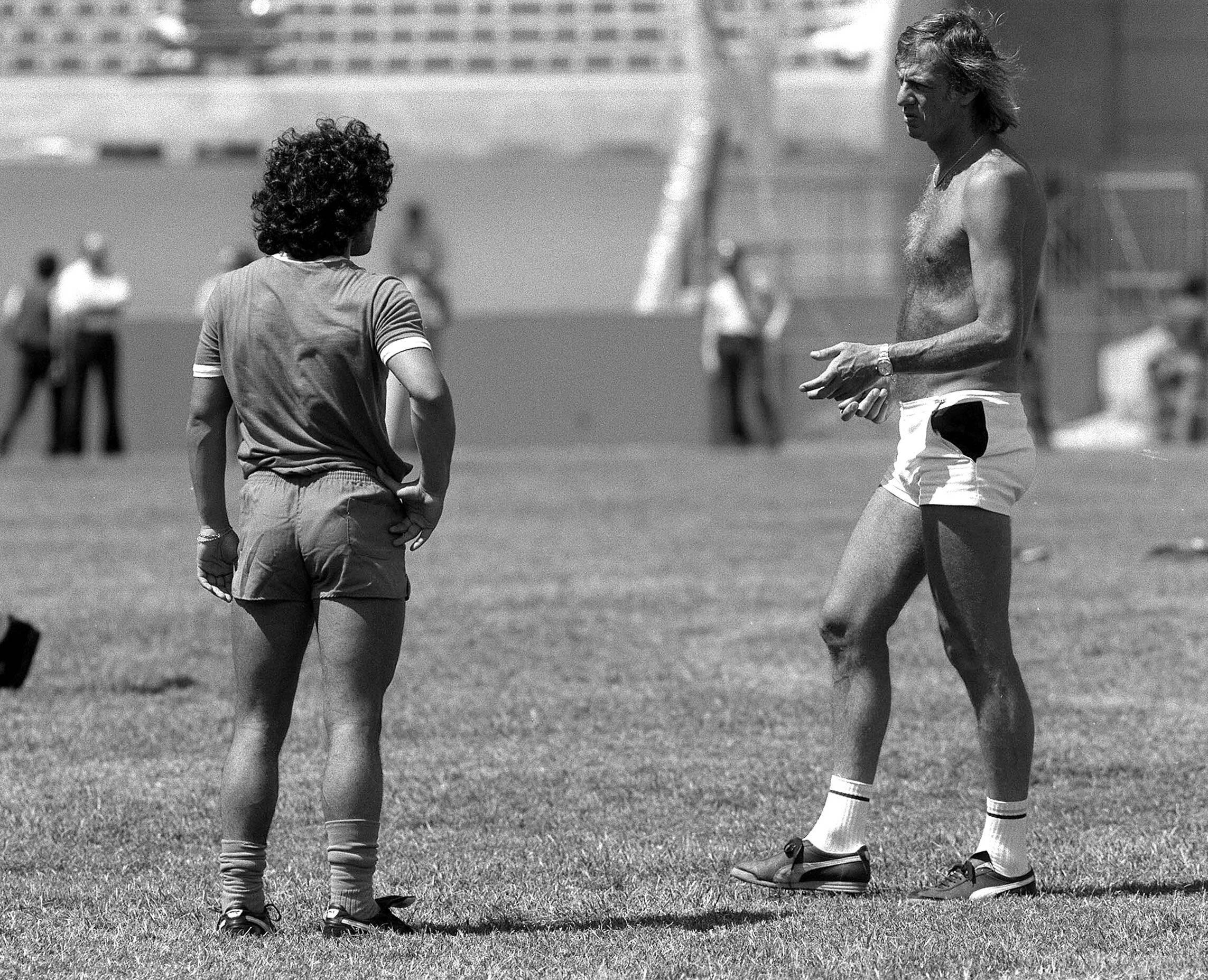 Maradona e il commissario tecnico dell'Argentina Menotti