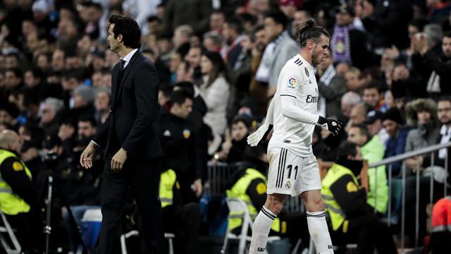 Real coach Solari plays down Bale rift talk ahead of El Clasico showdown