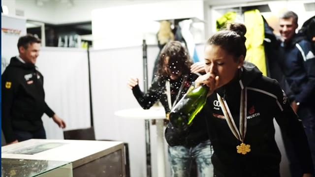 Party-Time: Deutsche Weltmeisterinnen lassen Korken knallen