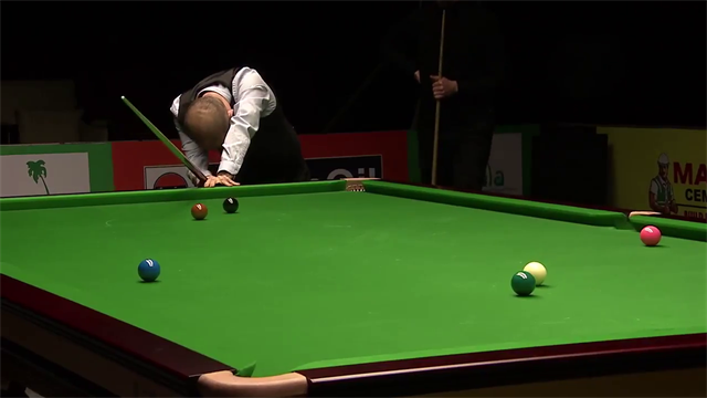 Imagine needing a snooker and your opponent does this…