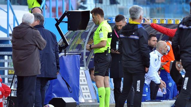 """L'UEFA veut une """"clarification"""" de l'usage de la VAR"""