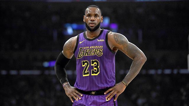 Les Lakers vont économiser James
