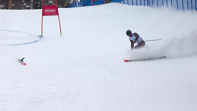 Латвийский горнолыжник потерял лыжу во время спуска и ждет конца месяца, чтобы попасть в Watts