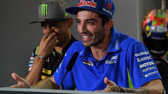 Mitfahrgelegenheit gesucht: MotoGP-Pilot wird zum Anhalter
