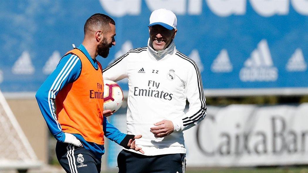 Zidane dirige su primer entrenamiento tras su regreso al Real Madrid -  Fútbol - Eurosport Espana a03d3f3c6e1f3