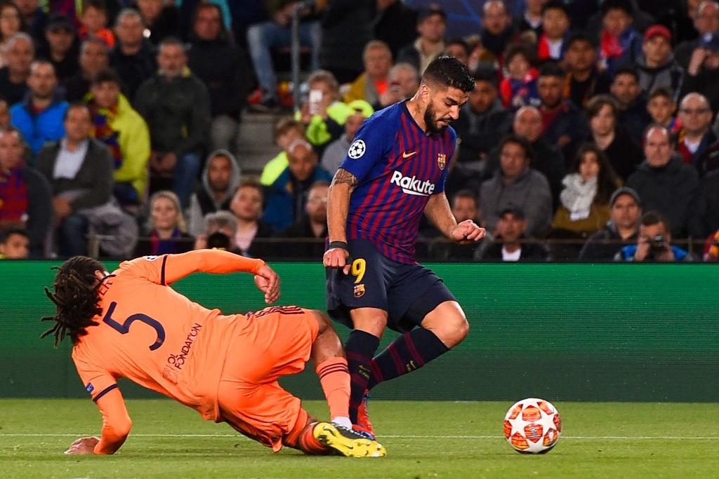 Barcellona-Lione - Contatto Denayer-Suarez