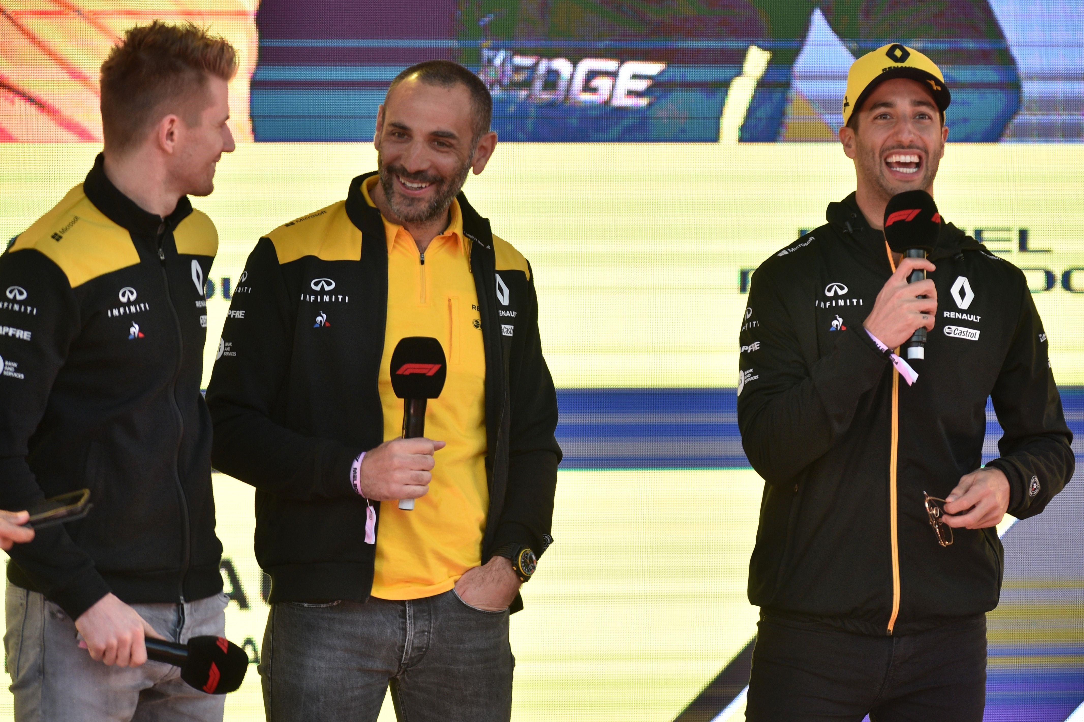 Nico Hülkenberg, Cyril Abiteboul et Daniel Ricciardo (Renault) au Grand Prix d'Australie 2019