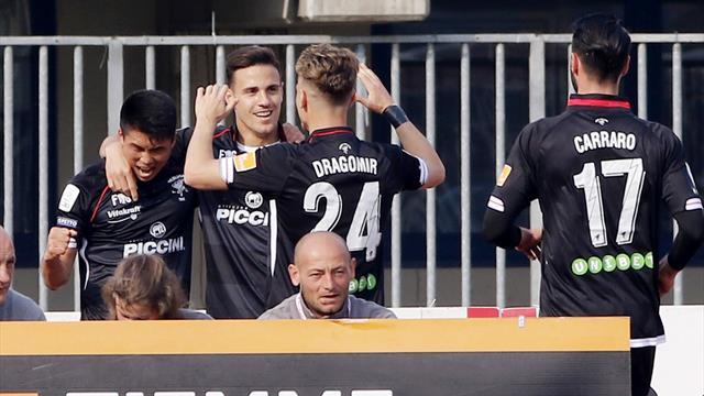 Il Benevento si è inceppato, colpo Perugia; il Livorno non si ferma più