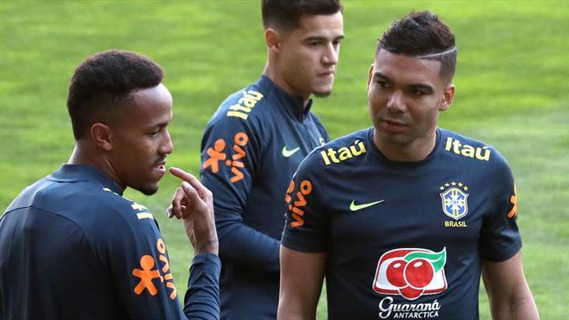 Militao se entrena con Brasil por primera vez muy arropado por Casemiro y Coutinho