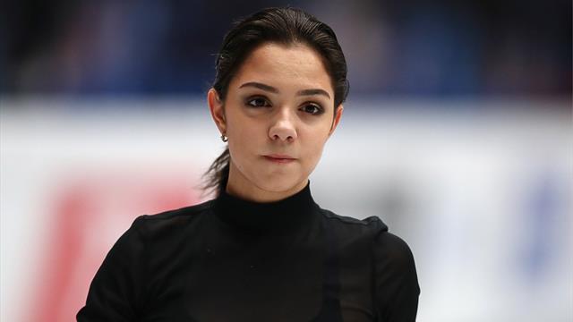 Медведева – вторая после короткой на Autumn Classic вслед за Кихирой с тройным акселем
