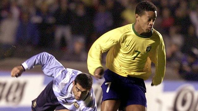 La mitica tripletta di Ronaldinho all'Argentina nel Torneo Preolimpico 2000