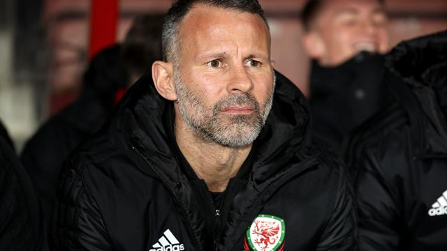 Giggs hoping Ferguson's habits will rub off on his Wales side
