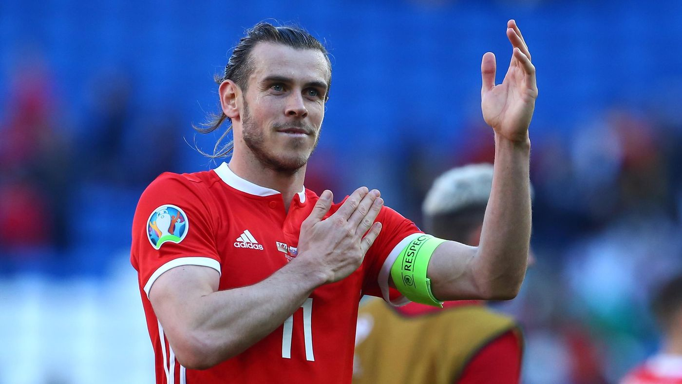 Wales' striker Gareth Bale celebrates on the pitch after the UEFA Euro 2020 Group E qualification football match between Wales and Slovakia at Cardiff City Stadium in Cardiff on March 24, 2019. - Wales won the game 1-0.
