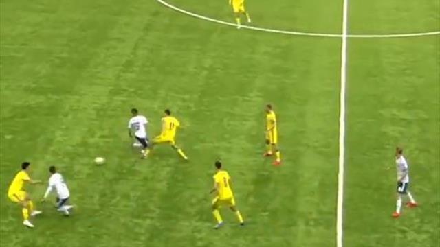УЕФА признал пас пяткой Ахметова перед голом Дзюбы скиллом дня